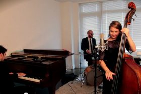 Postmodern Jukebox and Kate Davis – All about that Bass